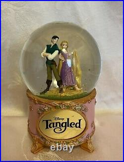 Disney Tangled Rapunzel and Flynn Rider Musical Snow Globe Works Extremely Rare
