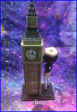 Extremely Rare! Betty Boop Standing At The Big Ben Tower Figurine Clock 2002