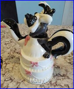 Pepe LePew Banned EXTREMELY RARE Looney Tunes Wedded Bliss Teapot