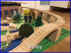 Thomas The Train Wooden THE 100 PIECE SET COMPLETE EXTREMELY RARE 1999